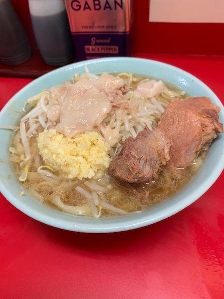 「ラーメン 700円(麺ヤワ・ニンニク・アブラ)」@ラーメン二郎 新宿歌舞伎町店の写真