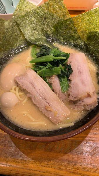 「スペシャルラーメン」@豚骨醤油ラーメン マルセイの写真