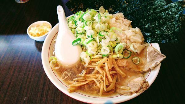「ラーメン(小・身入り)+海苔・ネギ・ニンニク」@手打ち中華そば 酒田の写真
