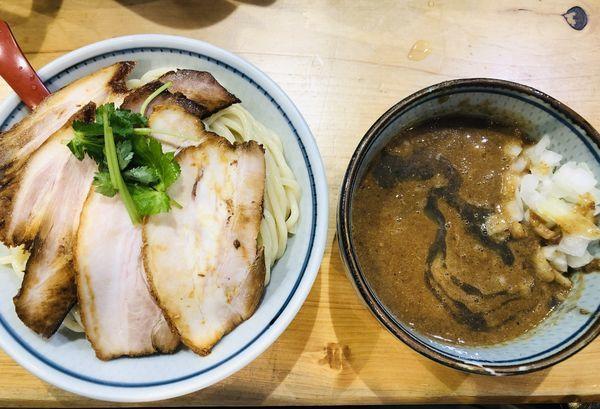 「特製肉玉つけ麺(大)(トッピング 玉ねぎ)1200円」@煮干麺 月と鼈の写真