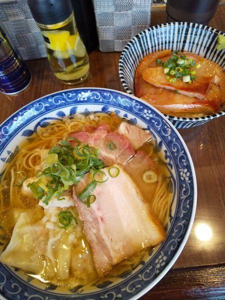 「煮干わんたん麺800円ハマチ丼(オープン記念価格300円)」@寿製麺よしかわ 保谷店の写真
