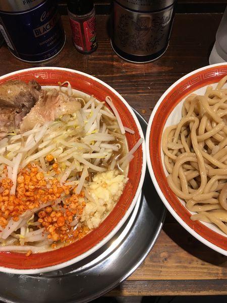 「特製つけ麺(ニンニク、からあげ)」@麺でる 相模原店の写真