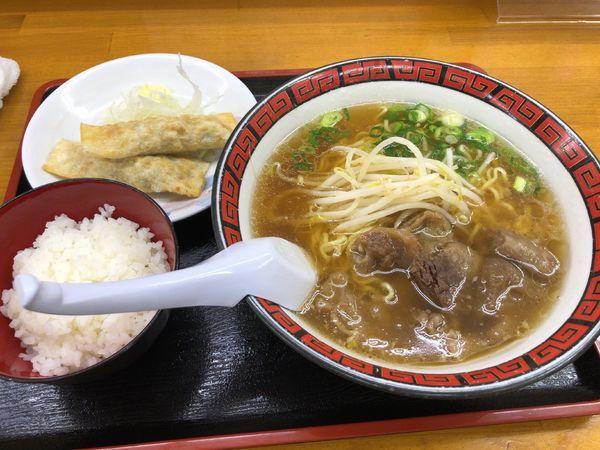 「揚げ餃子セット(スジラーメン) + 牛モツの煮込み」@ラーメン いのよしの写真