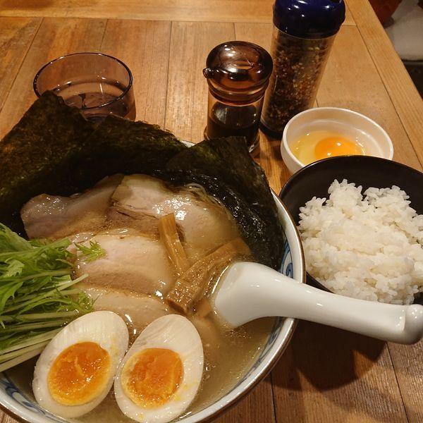 「鯛だし塩そばはなやま1000円、卵かけご飯180円」@鯛だしそば・つけ麺 はなやまの写真