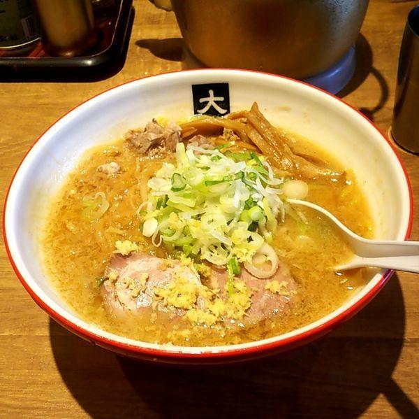 「味噌らーめん(大盛)+ネギ(別皿)」@大島の写真