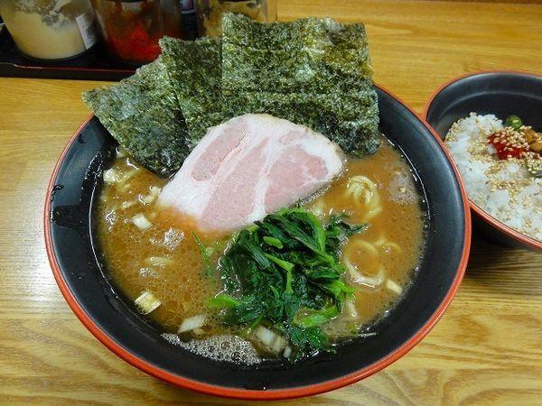 「ラーメン700円 麺硬め ライス50円」@麺家 紫極の写真
