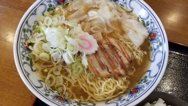 「ワンタン麺 大盛 こってり」@丸山中華蕎麦店の写真