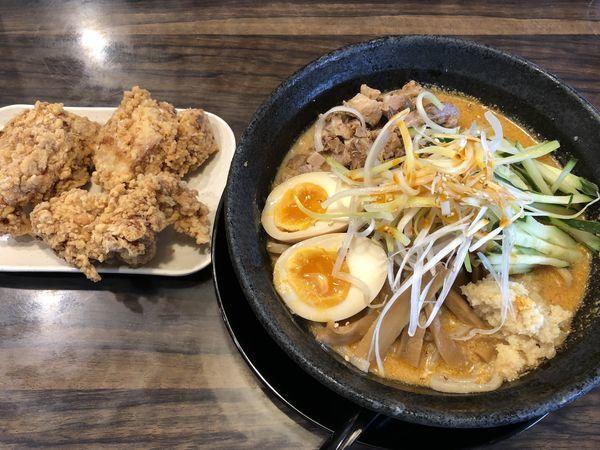 「しゃっけぇ担々麺+から揚げ3個」@中華そば みずさわ屋の写真
