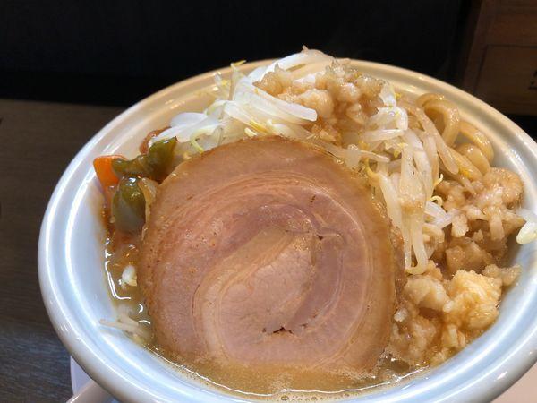 「二郎らーめん 850円 +α(酢豚ちょいサービス)」@らーめん 三極志の写真