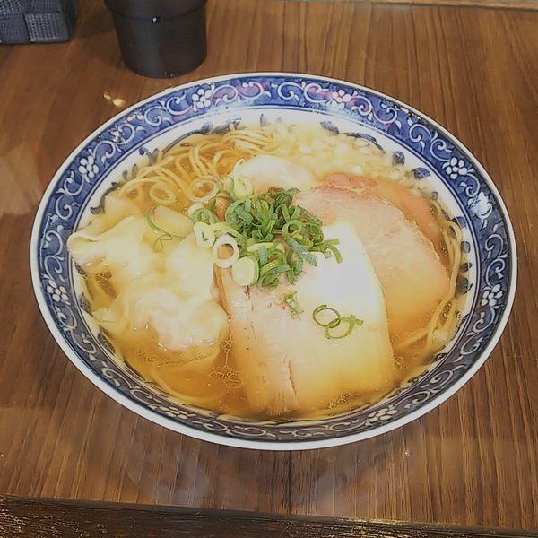 「煮干わんたん麺+ハマチ丼」@寿製麺よしかわ 保谷店の写真