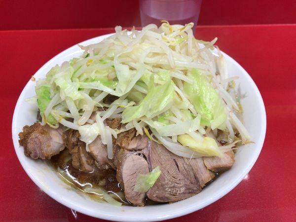 「小豚入り(ニンニク) 850円」@ラーメン二郎 越谷店の写真
