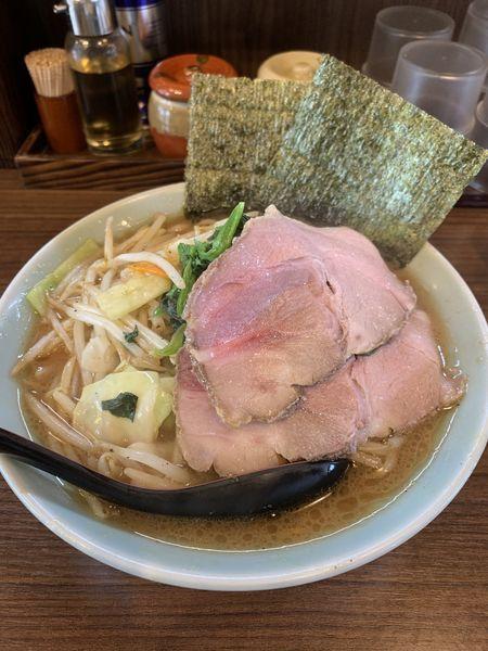 「831醤油ラーメン+トッピングチャーシュー」@831家 和田店の写真