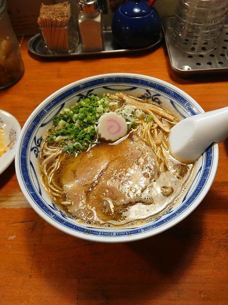 「豚骨アジ節 醤油  @700円」@ラーメン・餃子 ハナウタの写真