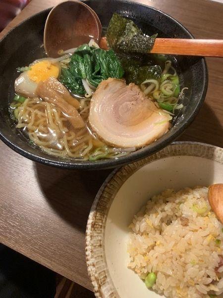 「醤油ラーメン+半炒飯セット 850円」@あいらくていの写真