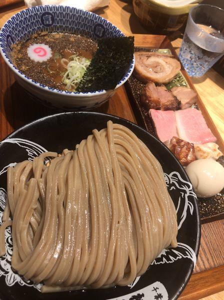 「つけめん(並)1100円+特製全部850円」@中華蕎麦 とみ田の写真