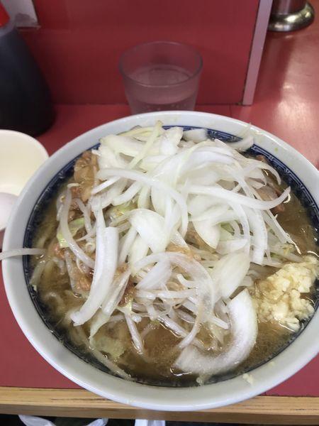 「ラーメン、ニンニク、タマネギ、アブラ、生卵」@ラーメン二郎 桜台駅前店の写真