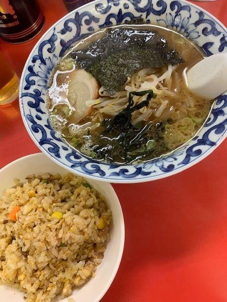 「ラーメン(とんこく)・半炒飯セット 700円」@うまいラーメン 小滝橋店の写真