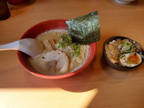 「中華そば白湯(醤油)と三色丼」@福の神の写真