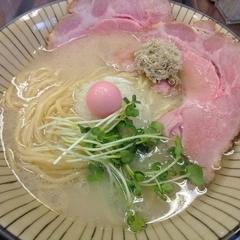 仮麺中(角打ち わかさや)の写真