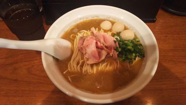 「海老の合わせ蕎麦+うずらの味玉 1050円」@横濱丿貫の写真