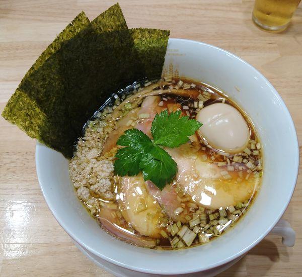 「特製醤油鶏そば+瓶ルービー」@鶏そばムタヒロの写真
