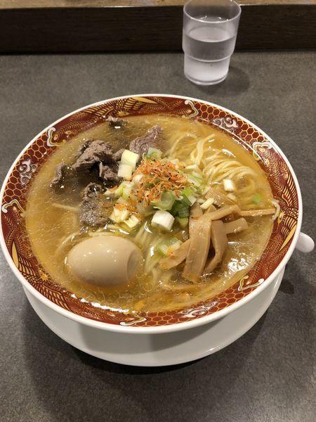 「牛肉のアジアン海老塩そば」@えびそば えび助 TOKYOの写真