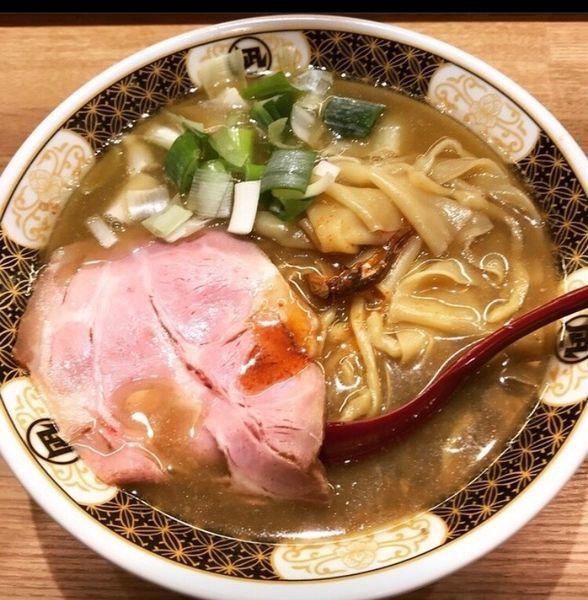 「すごい煮干しラーメン」@ラーメン凪 福岡空港店の写真