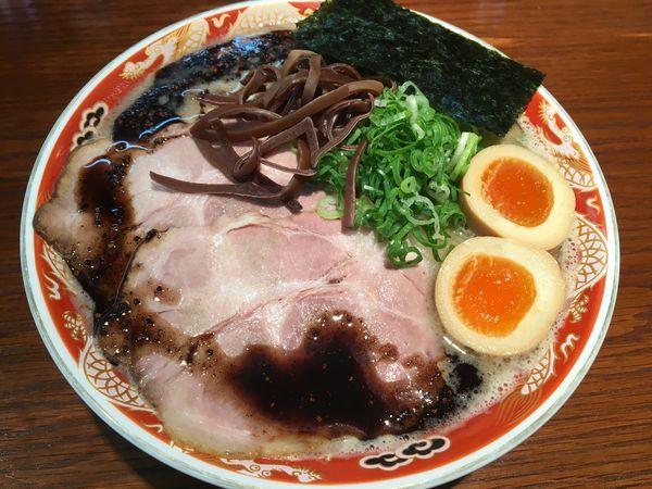 「ラーメン黒(細麺)」@ラーメンかなやの写真