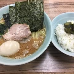 横浜家系ラーメン武蔵家 松戸店の写真