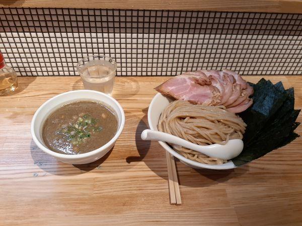 「全部入り煮干つけ麺特盛+チャーシュー+のり」@らーめん 改の写真
