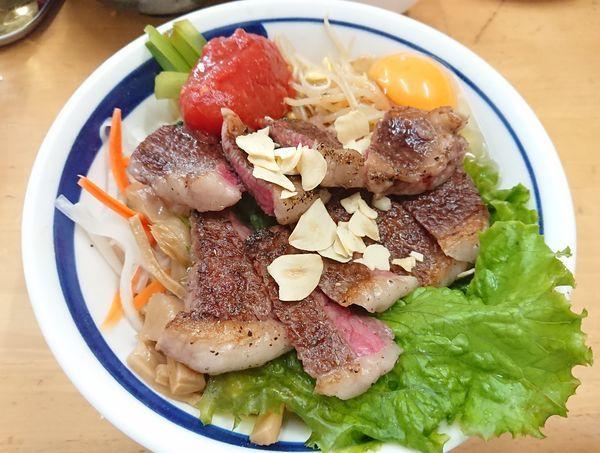 「【9月限定】手作り牛脂で和牛和え蕎麦 トマトを添えて(S)」@MENYA 食い味の道有楽の写真