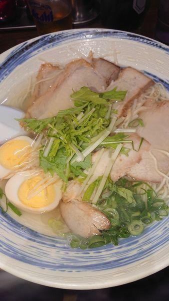 「チャーシューラーメン煮卵、餃子」@揚子江ラーメン 名門 神山店の写真