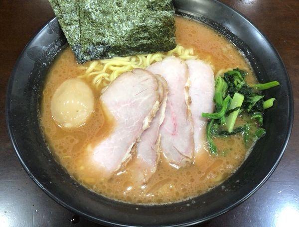 「チャーシューメン 大+味玉」@杉田家 千葉店の写真