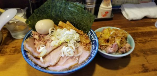 「油そばミニ740+全部乗430+刻チャーシュー丼ミニ260」@兎に角 松戸店の写真