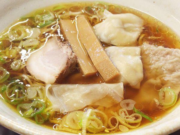 「ワンタン麺(醤油)普通盛」@中華そば 弥太郎の写真