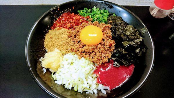 「【限定】台湾まぜそば(追い飯付)」@自家製麺SHINの写真