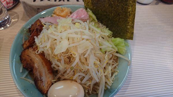 「二郎系 特製ラーメン  カツオ野菜マシニンニク」@ラーメン ポール亭の写真