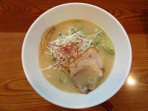 「鶏豚骨【炙り】」@鶏豚骨ラーメン 麺屋かがりの写真