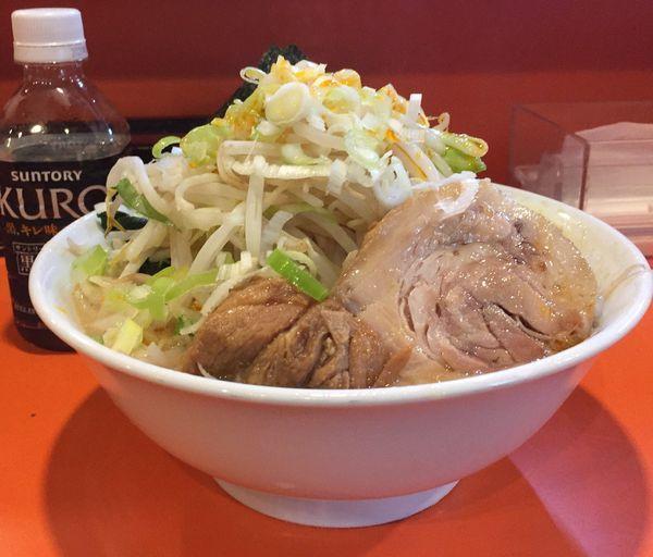 「らーめん豚1枚(ヤサイニンニクネギラー油)+のり+レン草」@ちばからの写真