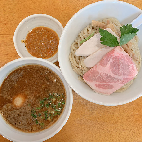 「ミートカレーつけ麺 大盛+味玉+にんにく(無料)」@麺奏ハモニカの写真