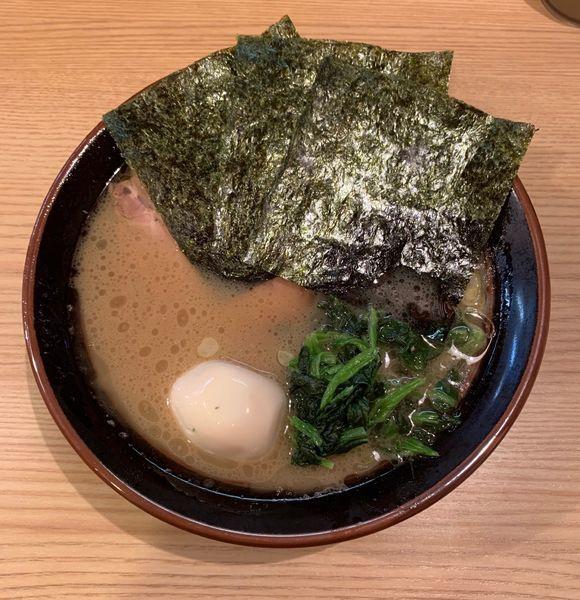 「らーめん+味玉」@紫蔵の写真