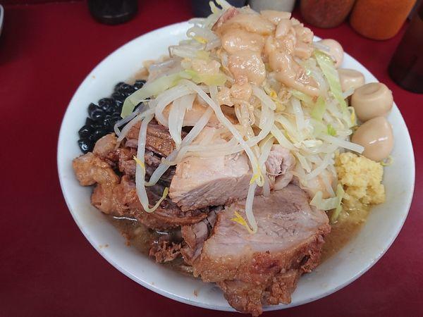 「ラーメン+豚+うずら」@ラーメン二郎 相模大野店の写真