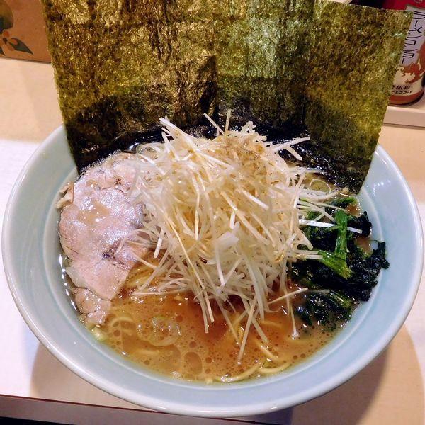 「ねぎラーメン(850円)細麺+その他普通」@ラーメン 府中家 中河原店の写真