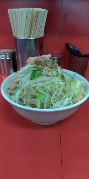 「麺半分:豚2枚(麺 約150g) 700円」@ラーメン二郎 茨城守谷店の写真