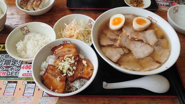 「ねぎ焼豚ラーメン、炙りチャーシュー丼セット。」@喜多方ラーメン 坂内 潮来店の写真