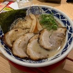 九州らーめん亀王 JR新大阪駅店の写真