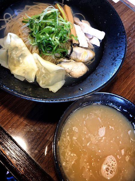 「牡蠣つけそば」@寿製麺よしかわ 保谷店の写真
