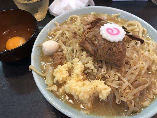 「ラーメン(麺半分+生卵)」@自家製麺 No11の写真