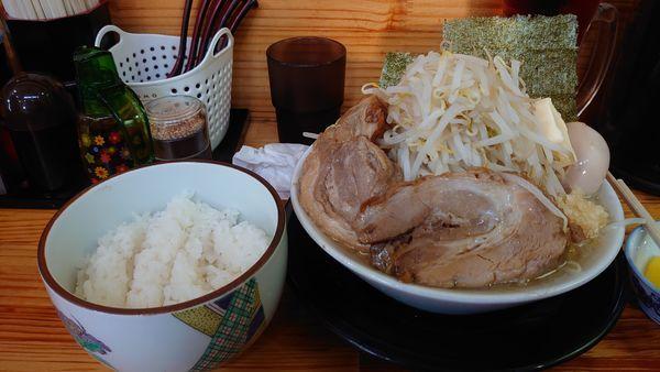 「極太麺(塩)、味玉、バター、半ライス」@麺屋 とん嬉の写真