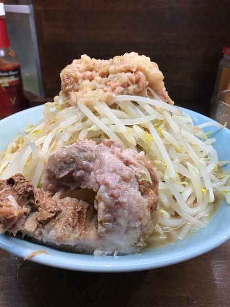「ラーメン中」@立川マシマシ OGKB店の写真